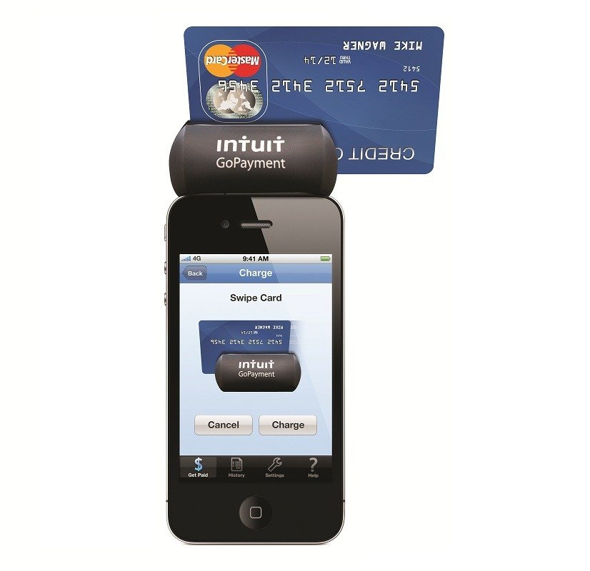 GoPayment_Card_Reader_with_Card1
